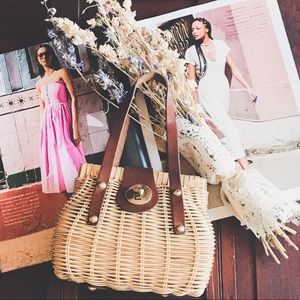 VINTAGE MINI WOVEN WICKER & LEATHER CHIC HANDBAG